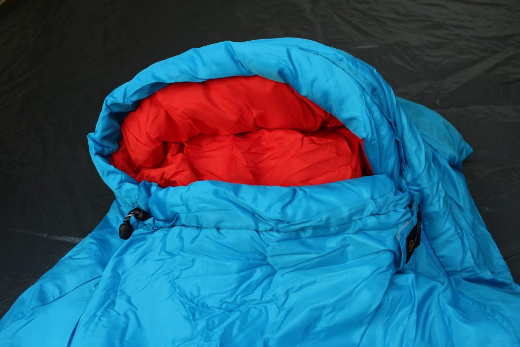 Kinderschlafsack in Mumienform - ideal fürs Zelten mit Kindern bei kühleren Temperaturen