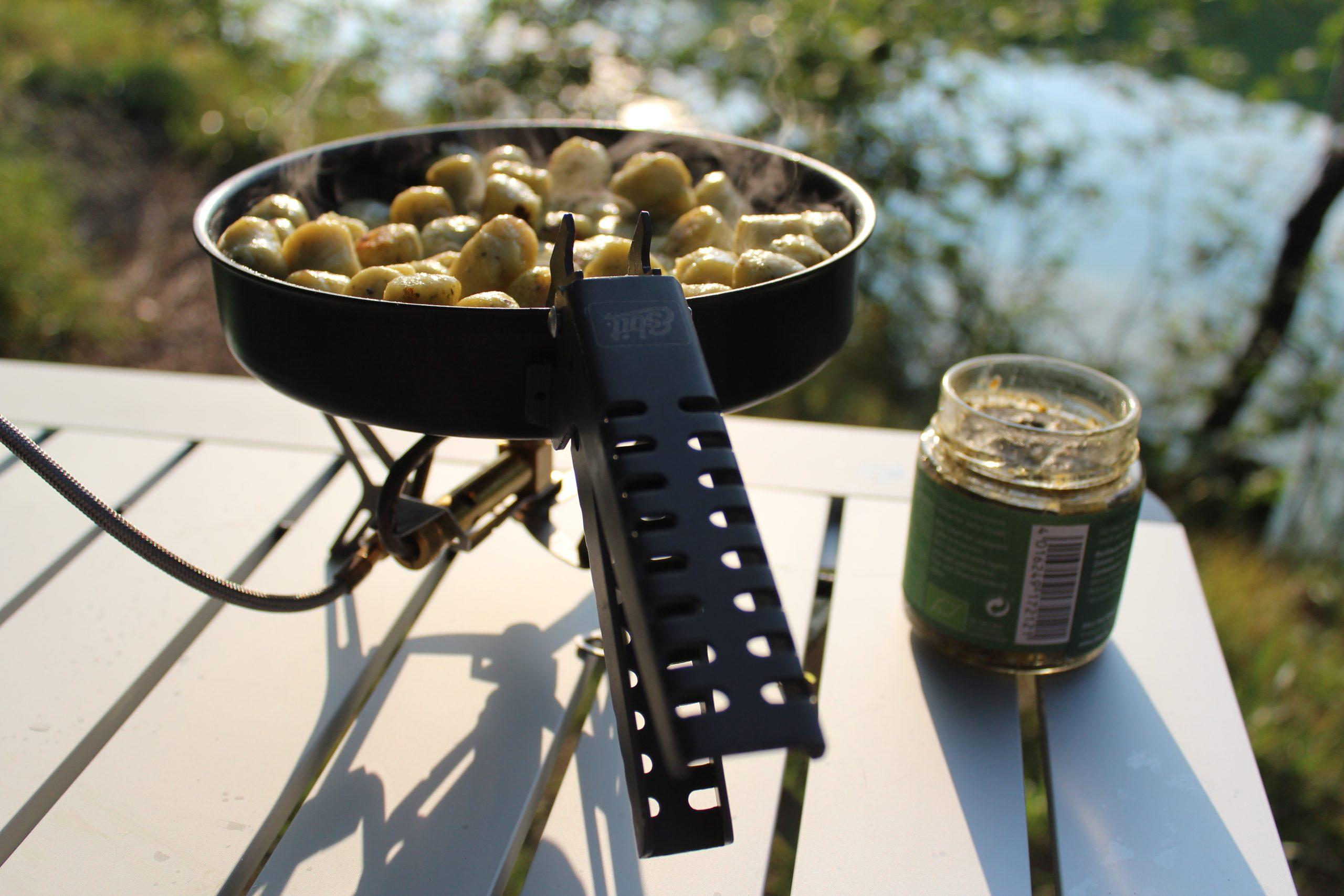 Camping-Küche im Familienurlaub