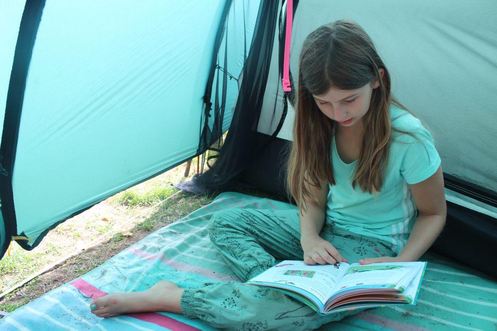 Zelt ohne durchgehenden Zeltboden