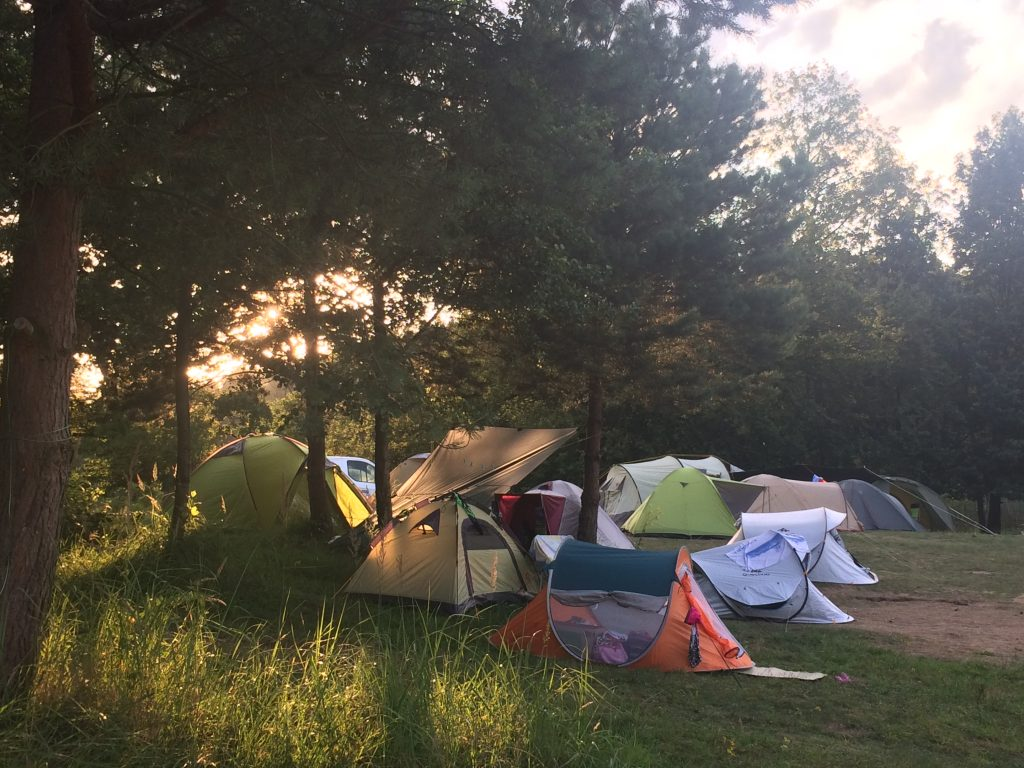 viele Zelte