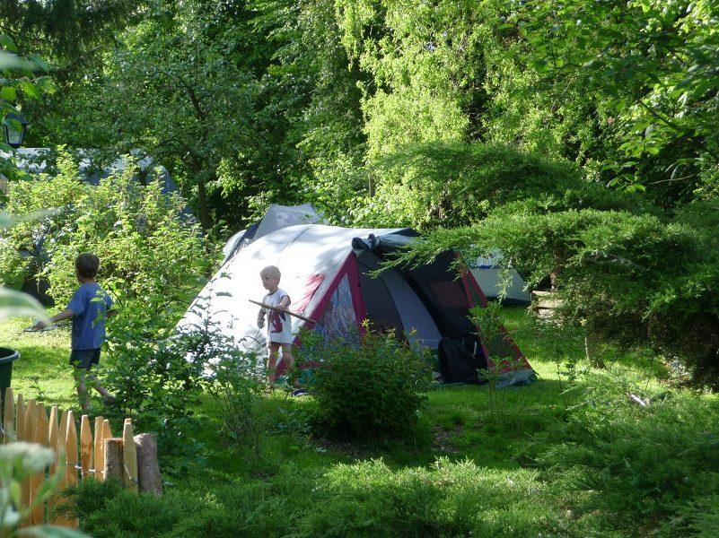 Zelten wie zelten im Garten