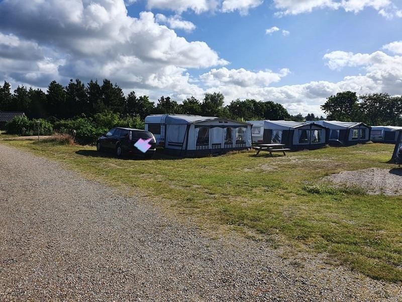 Stellplätze für Zelte und Wohnwagen | © Christina McGann